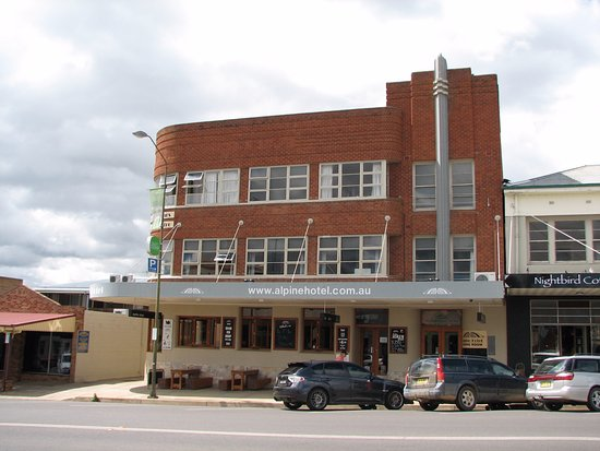The Alpine Hotel Restaurant Cooma - Accommodation Adelaide