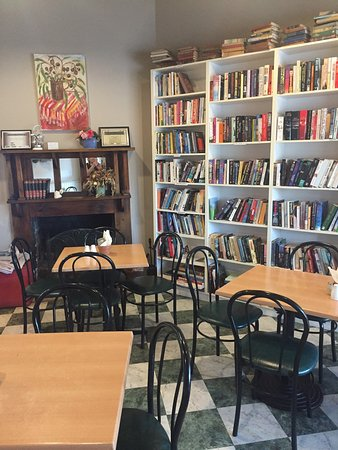 Chrissie's Book Lounge  Cafe - Accommodation Adelaide
