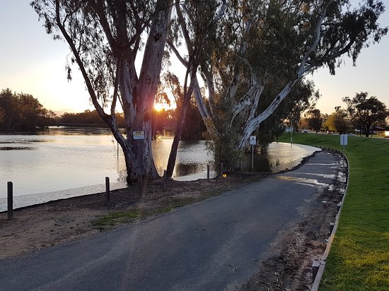 The Foreshore Tocumwal - Accommodation Adelaide