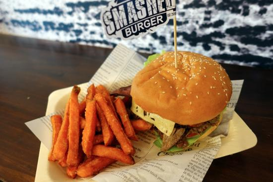 Smashed Burger - Accommodation Adelaide