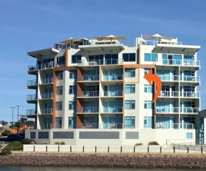 Wallaroo Marina Waterfront Luxe Apartment - Accommodation Adelaide