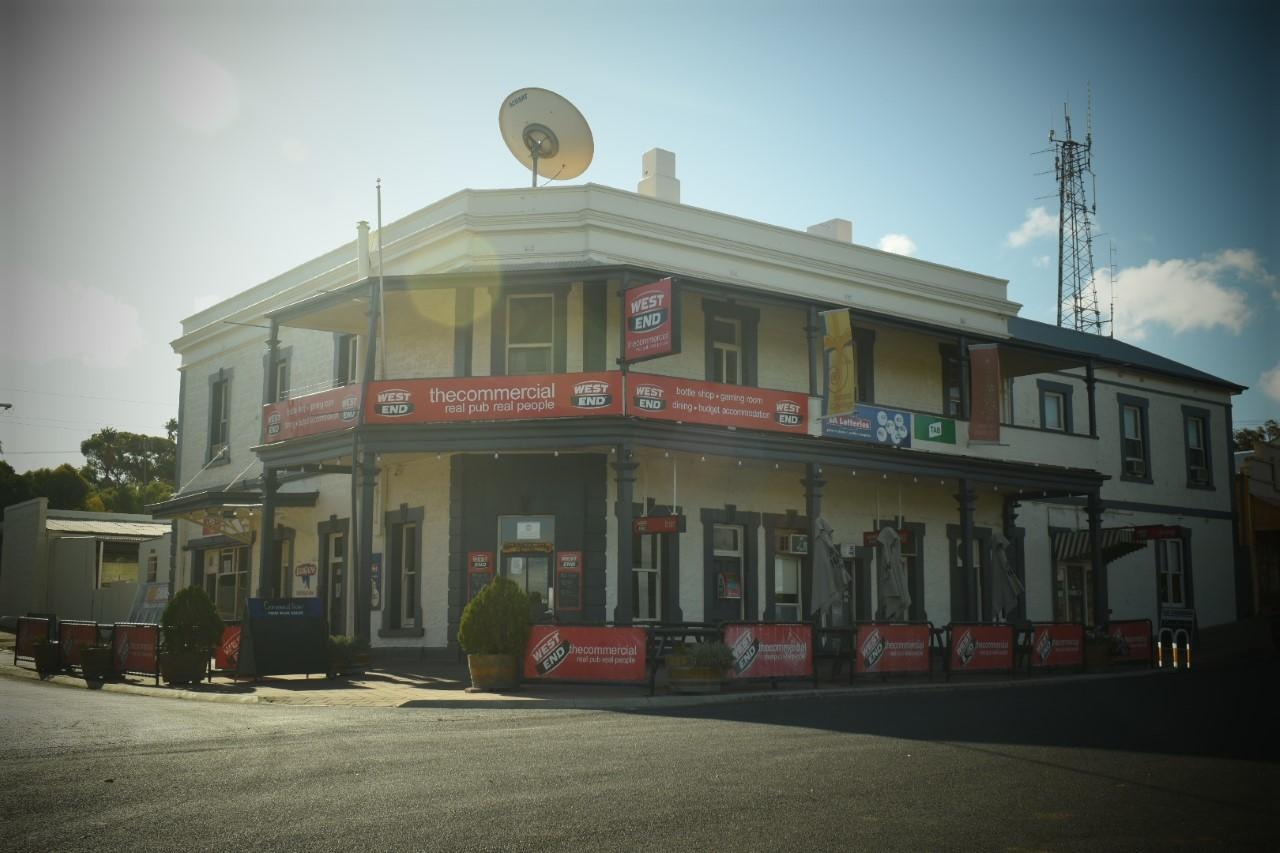 Commercial Hotel Morgan - Accommodation Adelaide