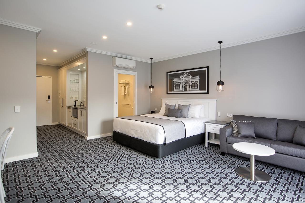 CH Boutique Hotel - Accommodation Adelaide