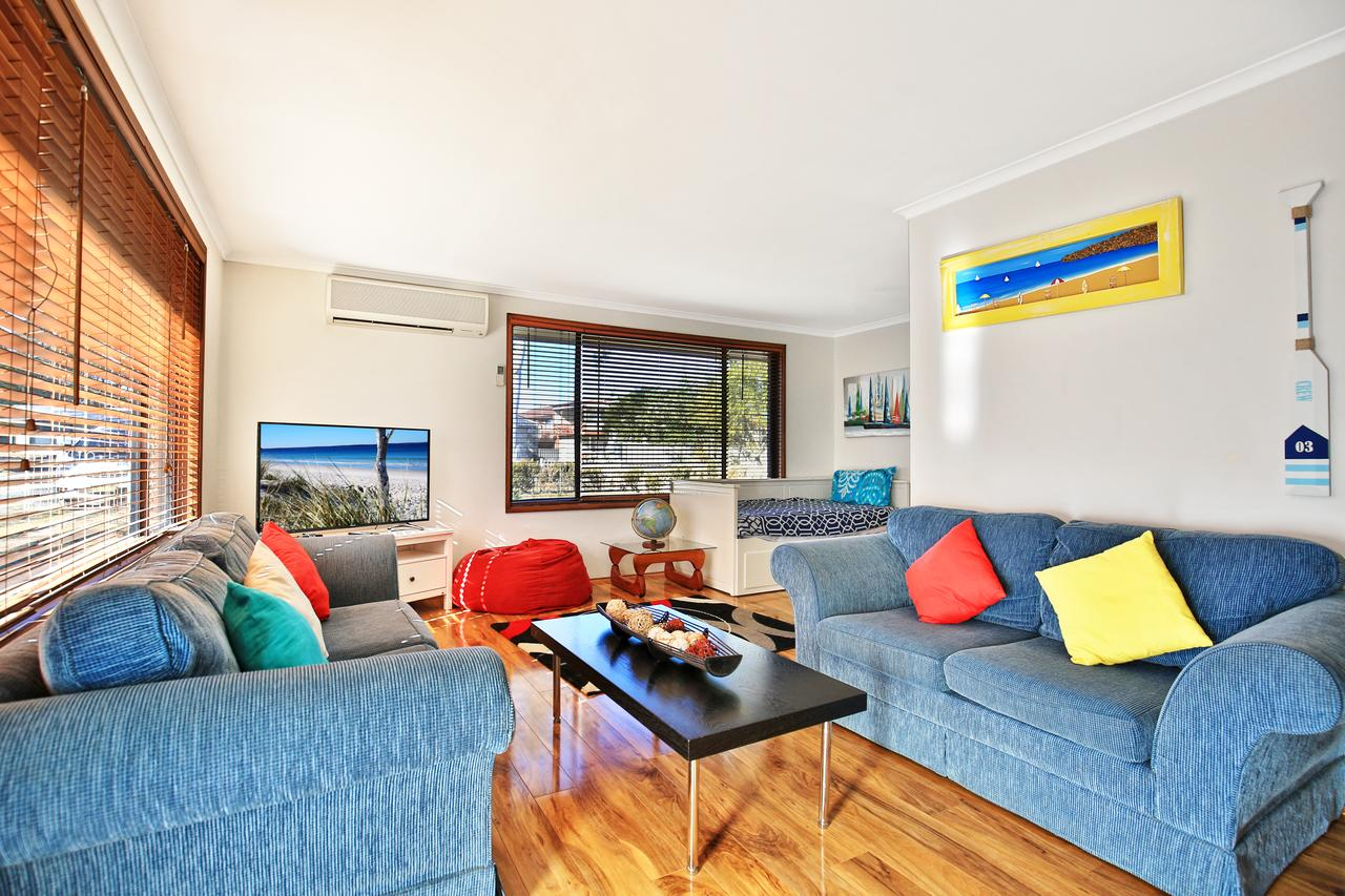 Sandy Toes Beach House Jervis Bay - 2min to Beach - Accommodation Adelaide