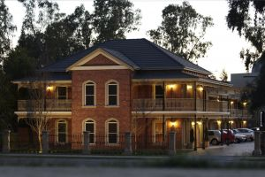 Carlyle Suites  Apartments - Accommodation Adelaide
