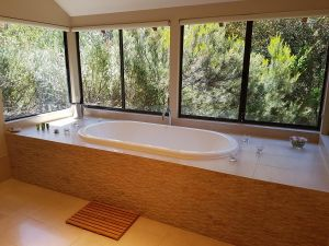 Jarrah Grove Forest Retreat - Accommodation Adelaide