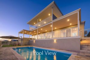 32 Corella Court - Private Jetty and Pool - Accommodation Adelaide