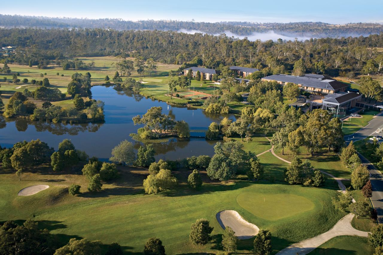 Country Club Tasmania - Accommodation Adelaide