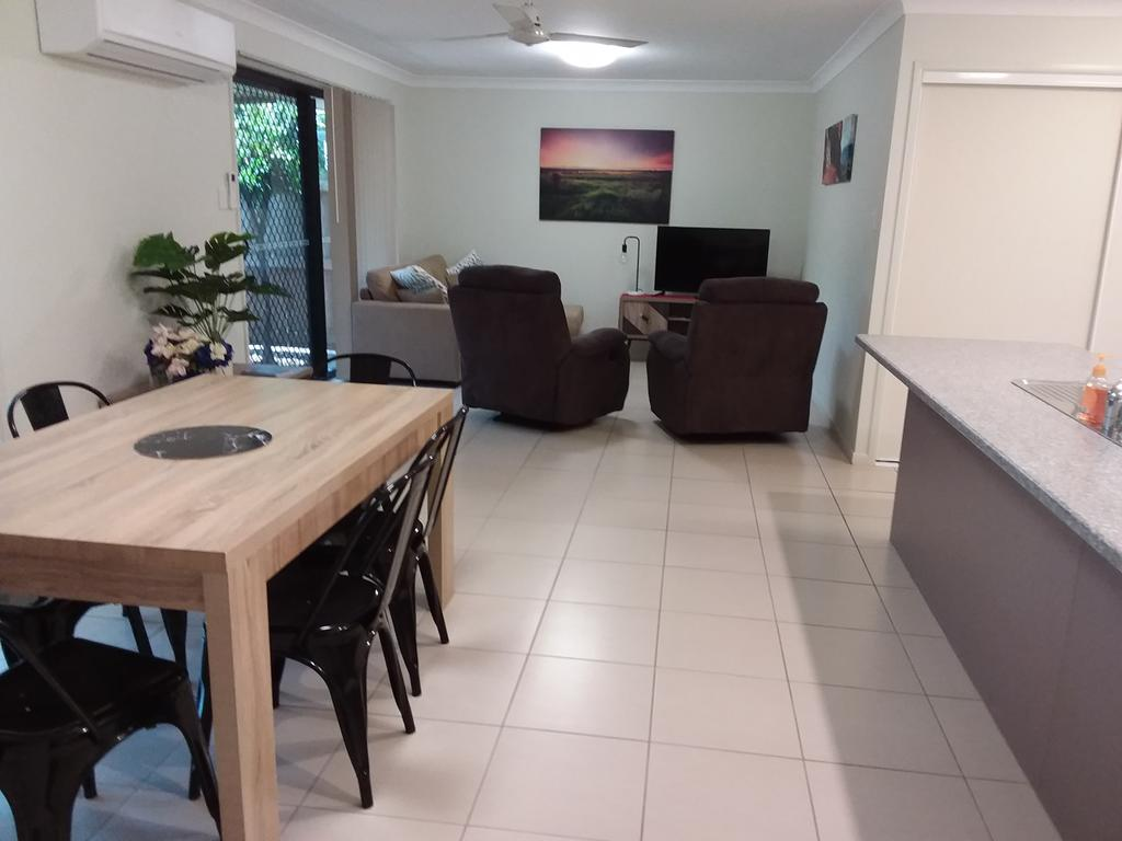 Waratah and Wattle Apartments - Accommodation Adelaide